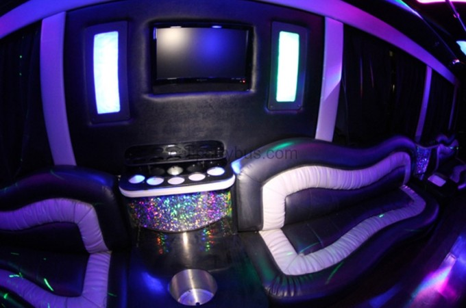 calipartybus_extra_158