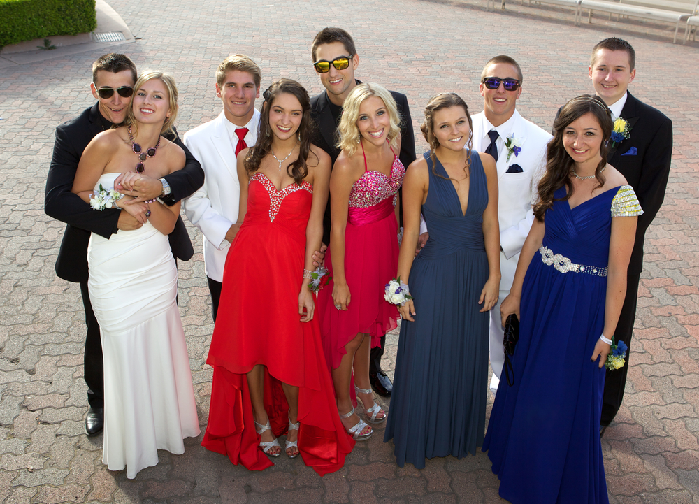 90389261117 TOP 5 THINGS TO KNOW ABOUT A RENTING A LIMO OR PARTY BUS FOR PROM ...